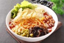 在柳州,没有成桌的宴席无关紧要,只要有一碗热腾腾的螺蛳粉就已足矣【重庆火锅底料厂】
