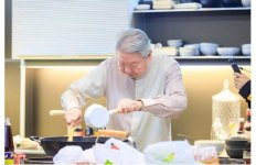 """蔡澜先生评价吃播:食相极差""""和年轻人在一起总是好玩的"""" 【重庆火锅底料厂地址】"""