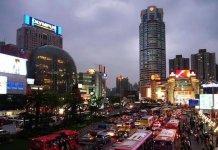 揭秘上海最火商圈:这样的选址90%的餐厅能赚翻【重庆火锅底料厂家公司】