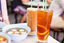 区域性复合式经营的优势与弊端一条街的奶茶店都在卖鸭脖,新中式茶饮创新营销模式?【重庆火锅底料批发厂家】