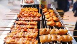 研究了30多家火爆10余年的烧烤店,我们发现烟火气是烧烤的灵魂【重庆最大的火锅批发市场】