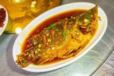 """为什么臭豆腐""""闻着臭,吃着香""""?在日常饮食中,香一般都代表着美味,而臭则暗示着食物难吃,甚至变质【重庆火锅底料批发在哪】"""