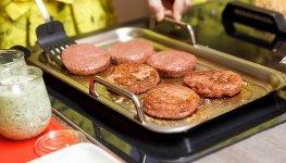 植物肉下场竞争 能否大受欢迎?重庆火锅底料加工厂