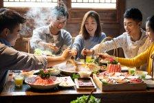 """菜品相似、位置重庆火锅底料厂家直销一样,我凭3招打败""""隔壁老王"""""""