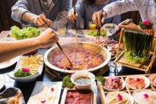 消费时代,人均收入提高将让餐饮业受益重庆火锅底料批发在哪里